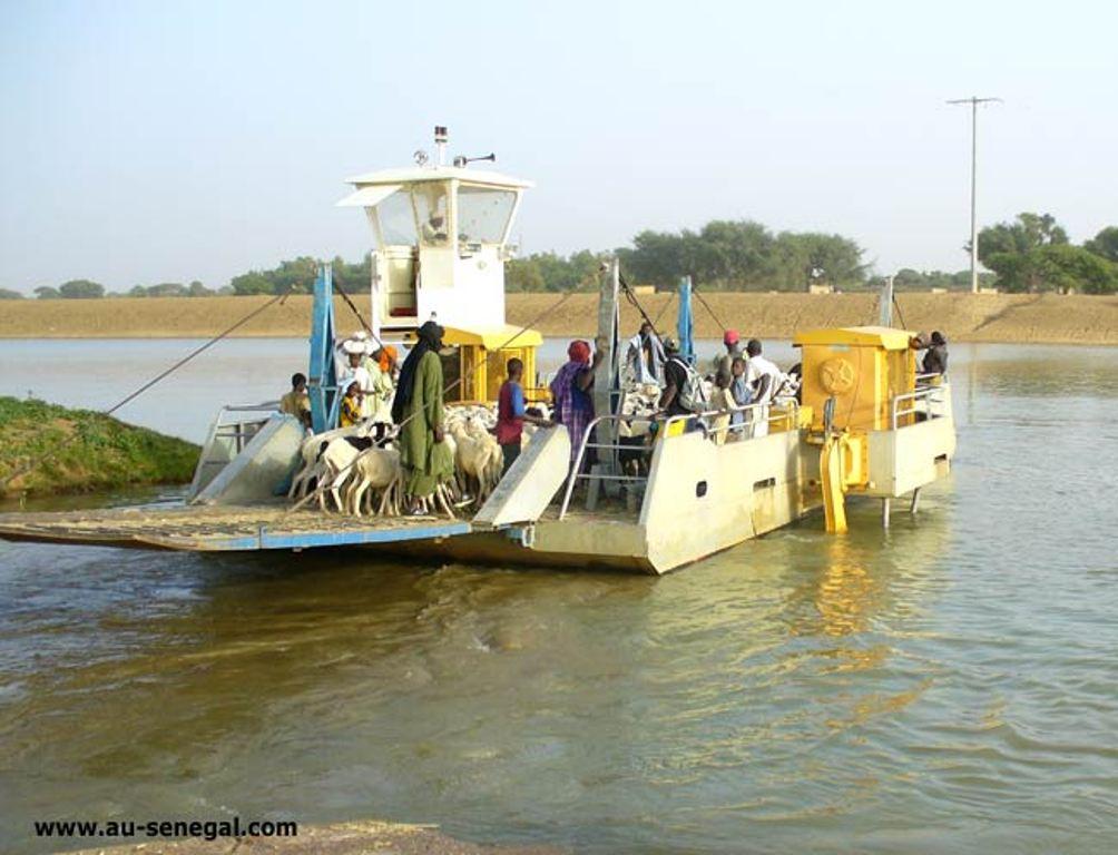 Marsasoum : le navire qui assure la liaison sur le fleuve Casamance fonctionne avec un seul moteur