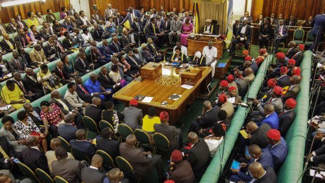 Covid-19 : l'Ouganda dépiste tous ses députés
