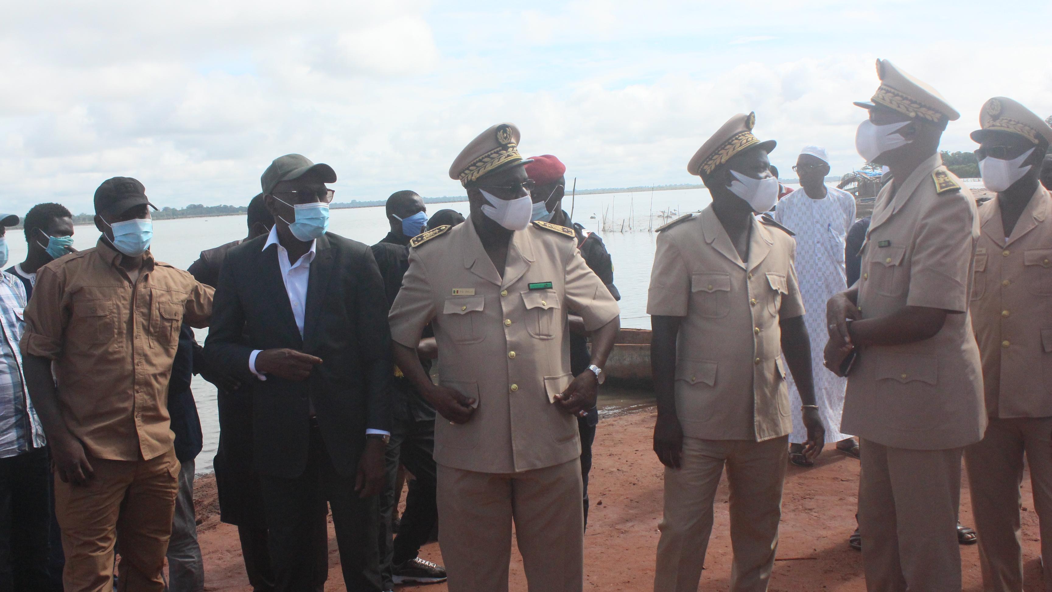 Sédhiou: Oumar Youm visite les travaux de construction du pont de Marssassoum (Vidéo)