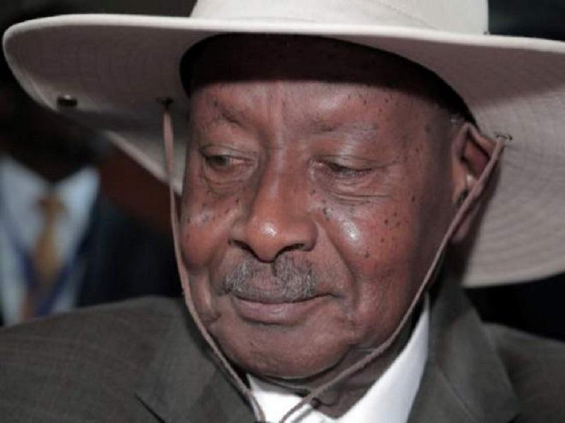 Ouganda : Yoweri Museveni candidat à sa succession à 75 ans