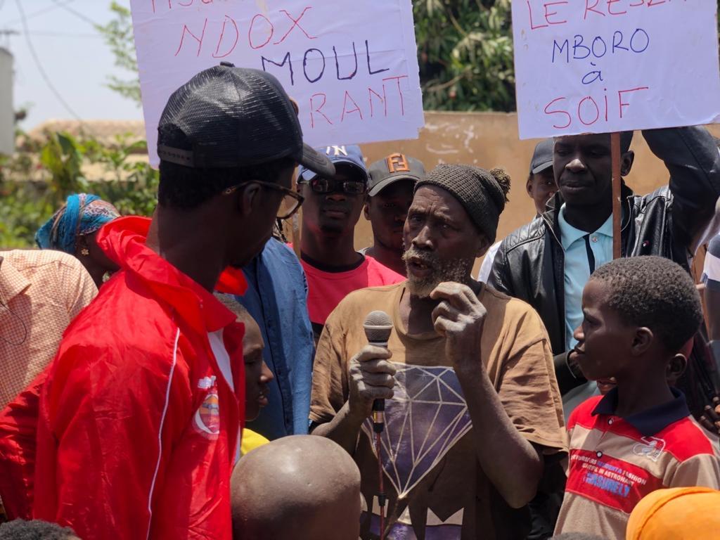 Privé d'eau par la société AQUATECH depuis la veille de la Tabaski, Mboro déclenche l'opération Non-paiement des factures