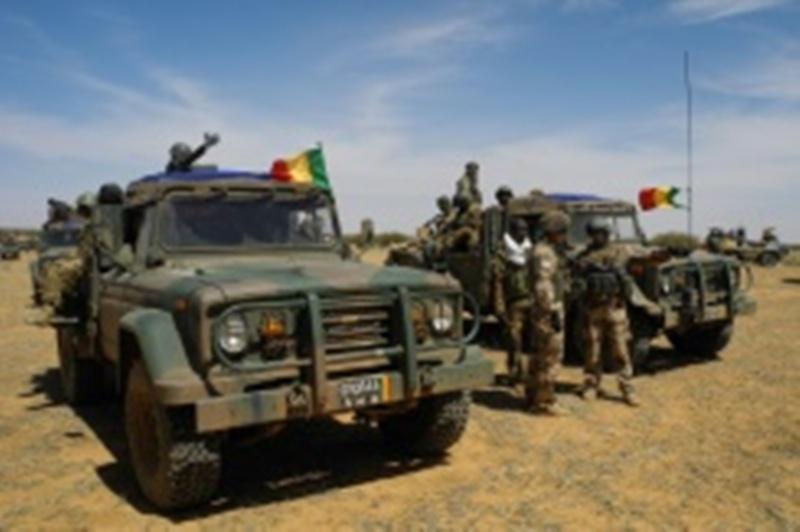 Mali : Cinq (5) soldats tués dans une « attaque terroriste » en cours au centre du pays