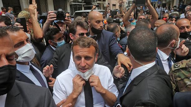 À Beyrouth, Emmanuel Macron appelle les dirigeants libanais à des réformes