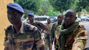 Coup d'État au Mali : la solution démocratique promise par l'armée suscite des inquiétudes