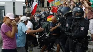 """Berlin, Paris, Londres : manifestations contre le port du masque, """"la tyrannie médicale"""""""
