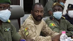 Au Mali, la junte s'engage à une transition de 18 mois