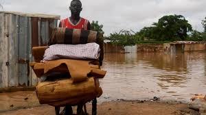 Inondations au Niger: comment la distribution d'aide alimentaire s'organise à Niamey