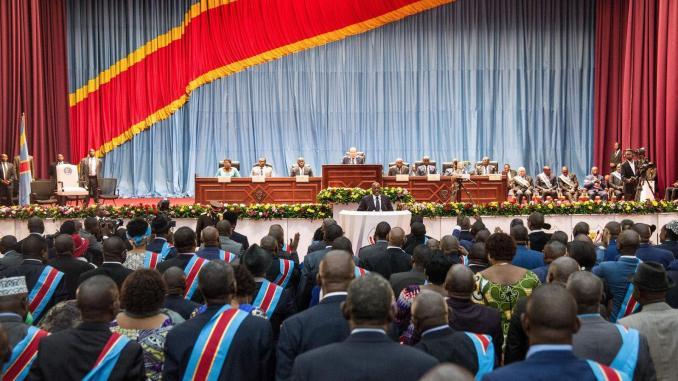 RDC: le Parlement fait sa rentrée sur fond de tensions entre Cach et le FCC