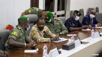 Mali: ce qui a fragilisé la junte au sommet d'Accra avec la Cédéao