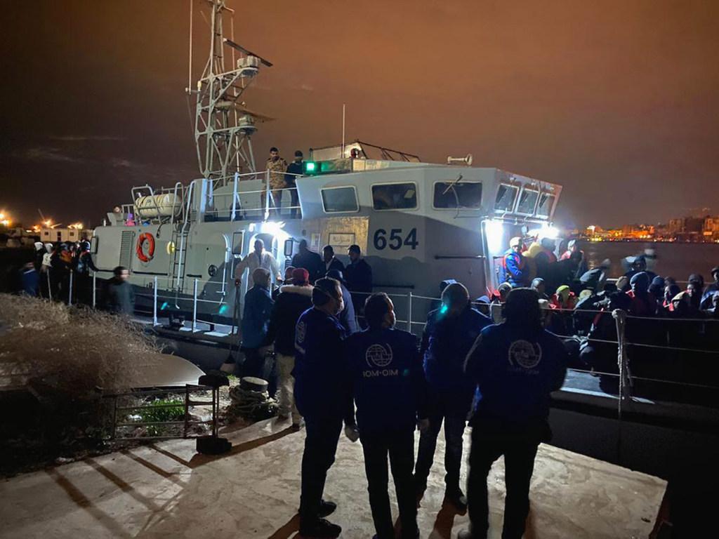 Libye : un naufrage provoque la mort d'au moins 20 migrants et réfugiés