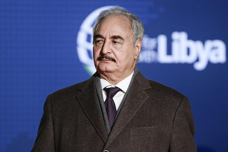 Après 8 mois de blocage, Khalifa Haftar rouvre les vannes du pétrole libyen