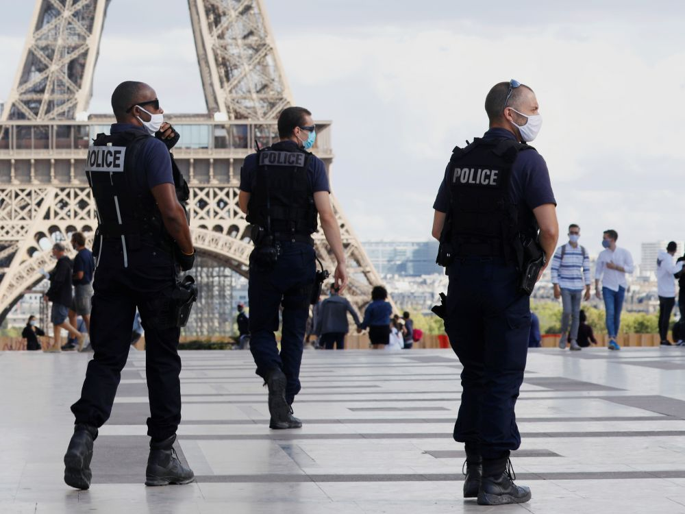 Paris : La tour Eiffel évacuée après une alerte à la bombe