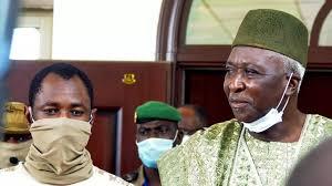Journée d'investiture au Mali, la junte toujours en discussion avec la Cédéao