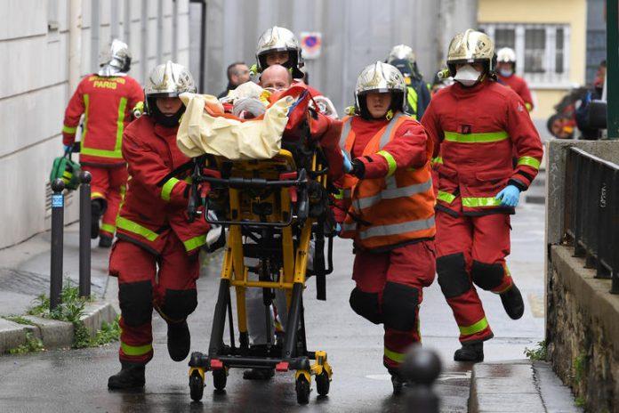 Attaque à l'arme blanche près des anciens locaux de «Charlie Hebdo», plusieurs blessés