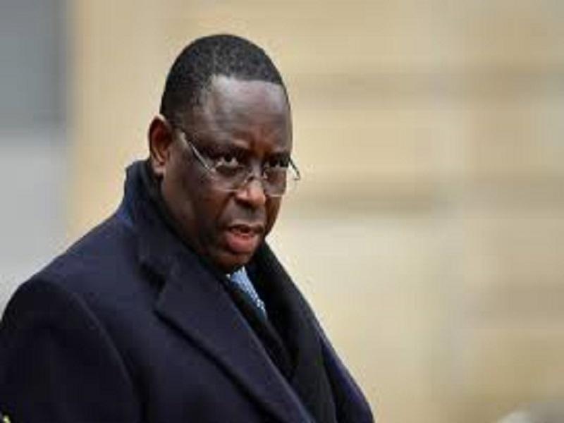 Epinglé pour des dépenses de prestige, l'ex-maire de Mantes-la-Jolie cite Macky Sall