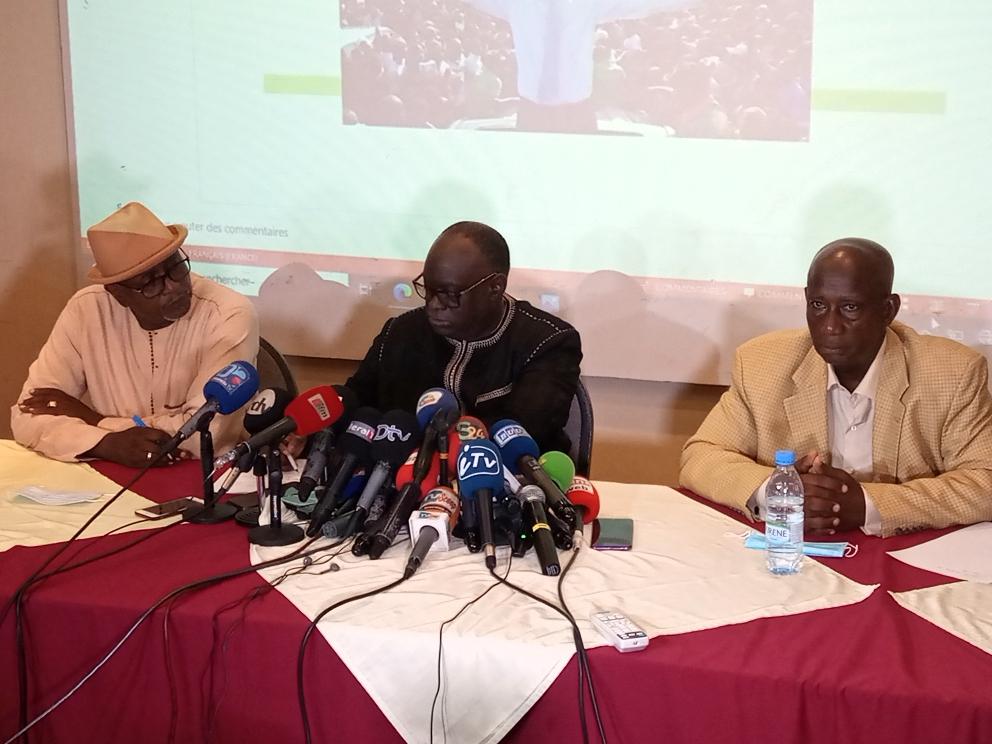 Vidéo - Me El Hadj Diouf traite les observateurs de la CEDEAO et de l'UA de corrompus