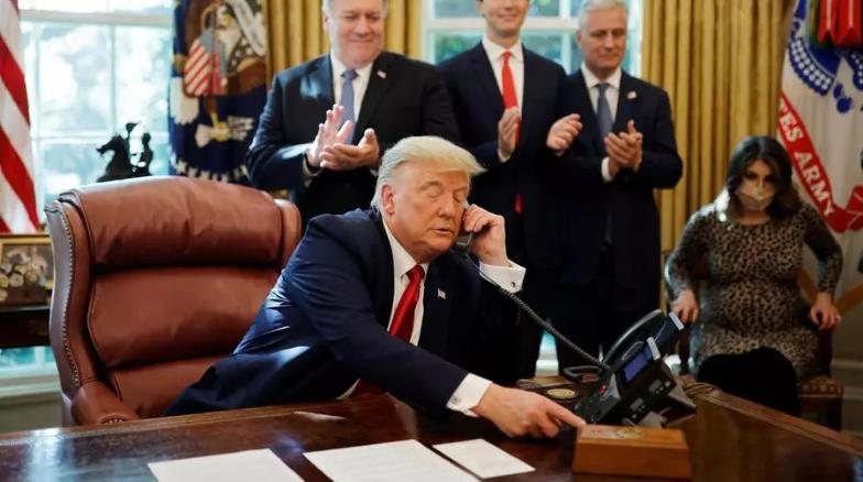 Donald Trump a annoncé la normalisation des relations diplomatiques entre Israël et le Soudan à l'issue d'un entretien téléphonique avec leurs dirigeants. Le 23 octobre 2020. REUTERS/Carlos Barria