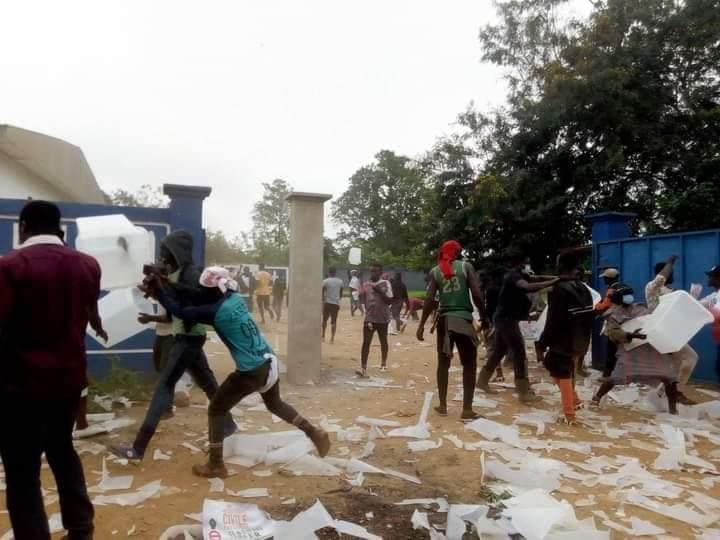 Côte d'Ivoire: près de 7,5 millions d'électeurs appelés ce samedi aux urnes dans un contexte tendu et incertain