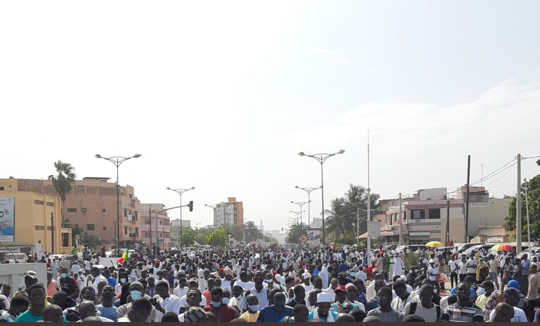 Des milliers de Sénégalais à la Place de la Nation pour dire NON à l'Islamophobie et aux propos de Macron