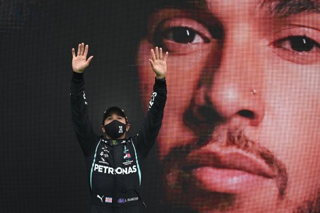 Lewis Hamilton champion du monde de F1 pour la 7e fois, il égale Michael Schumacher