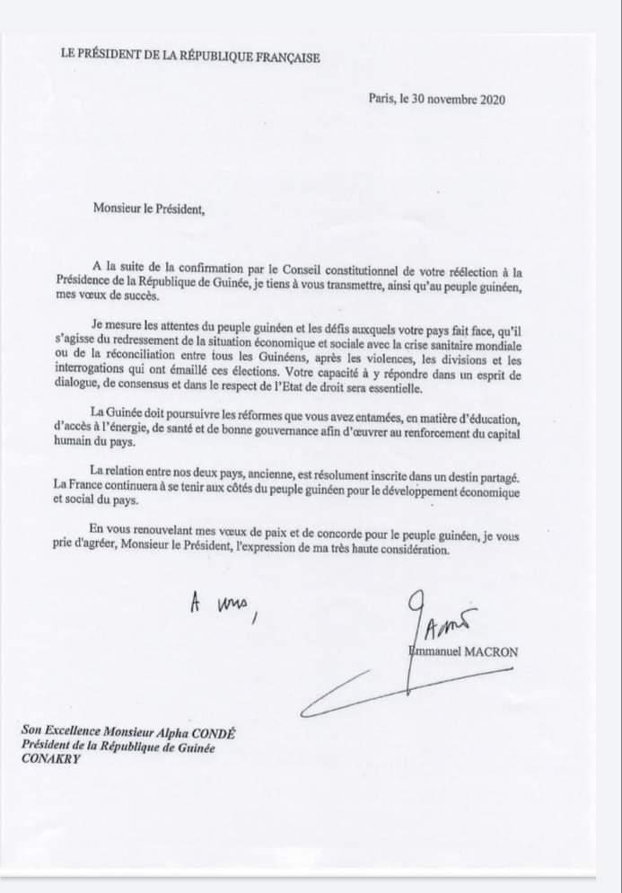 Présidentielle de la Guinée : après l'avoir critiqué, Emmanuel Macron finit par féliciter Alpha Condé