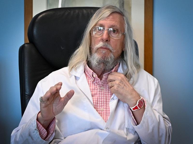 """Didier Raoult sceptique sur les vaccins : """"Pour l'instant, c'est de la science-fiction, de la publicité"""""""