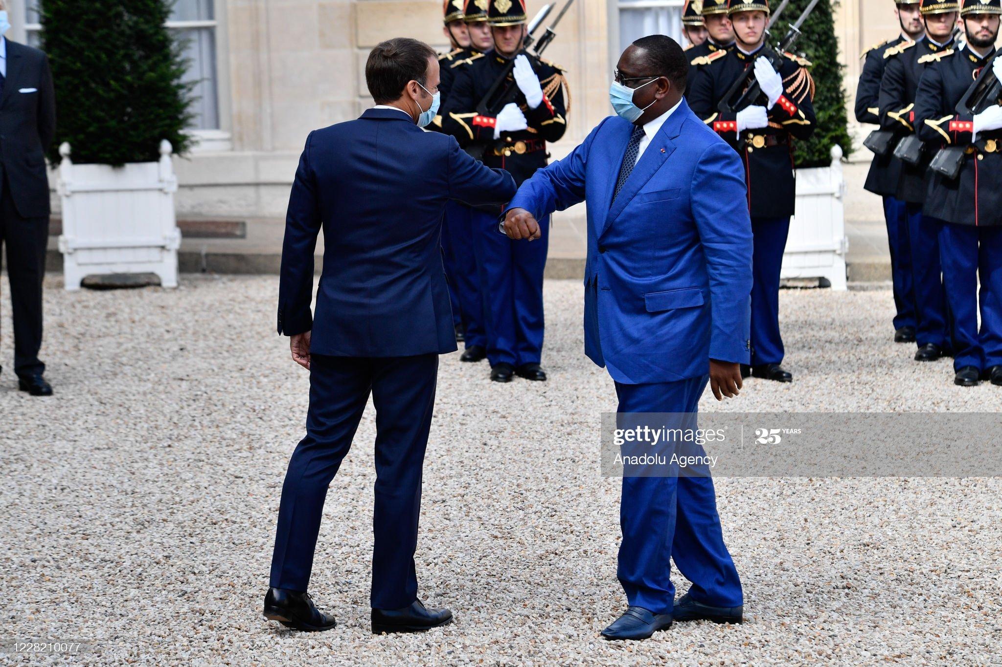 Macky ignore ses députés testés positifs au coronavirus et exprime sa sympathie à Macron