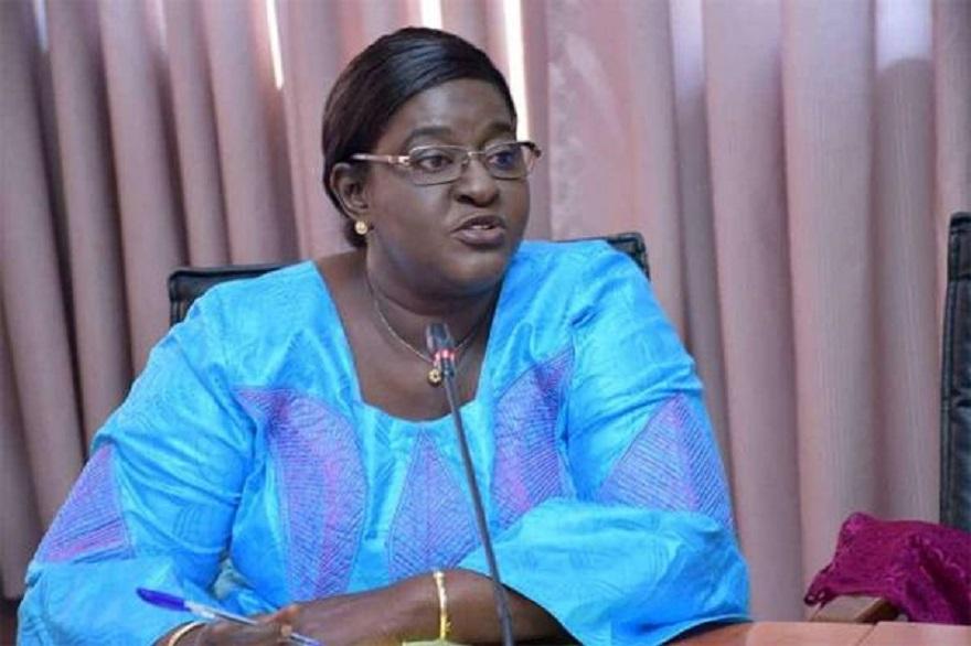 Dr Marie Khémesse Ngom Ndiaye sur les vaccins anti-covid : « il y aura le contrôle, malgré l'urgence »