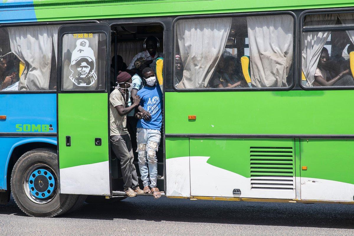 L'interdiction du transport interurbain ou inter-régional n'est pas l'ordre du jour (Mansour Faye)