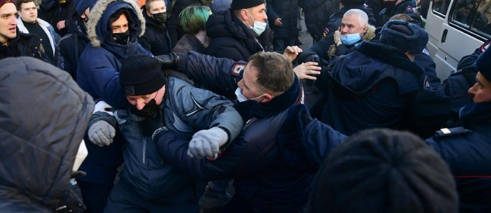 Russie: arrestations en marge des premières manifestations de soutien à l'opposant à Alexeï Navalny