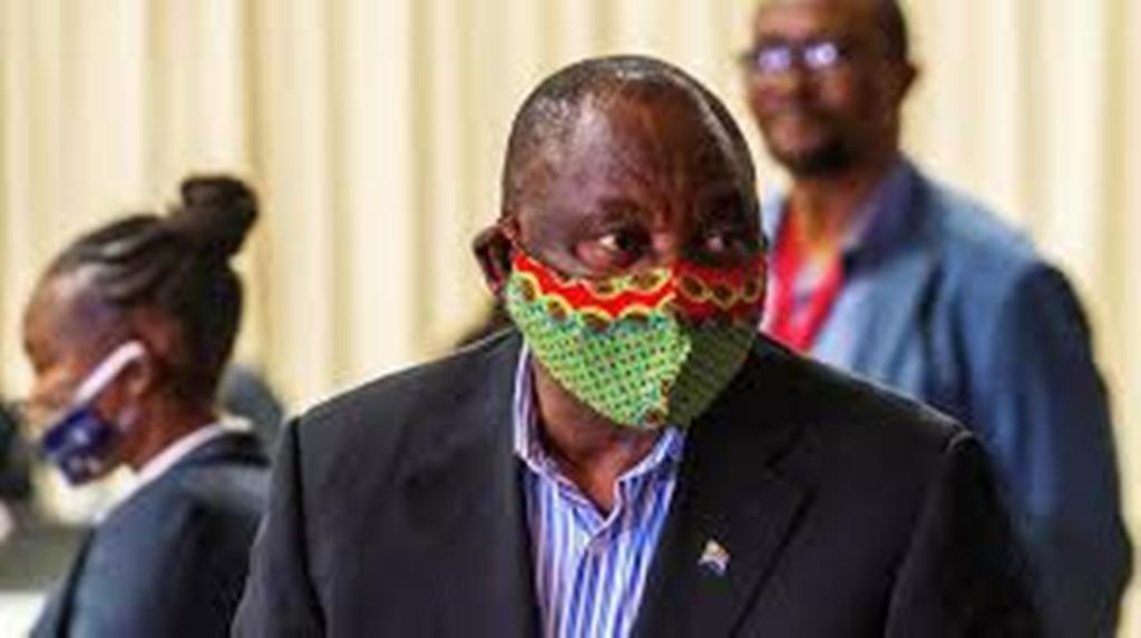 Le président sud-africain fustige les pays riches qui accaparent les vaccins anti-Covid