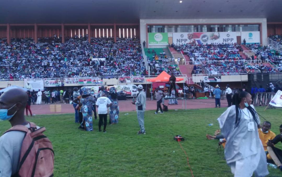 Gambie: malgré le spectre de la 2e vague et la présence du variant britannique, Barrow s'offre un meeting d'investiture avec un stade archi rempli