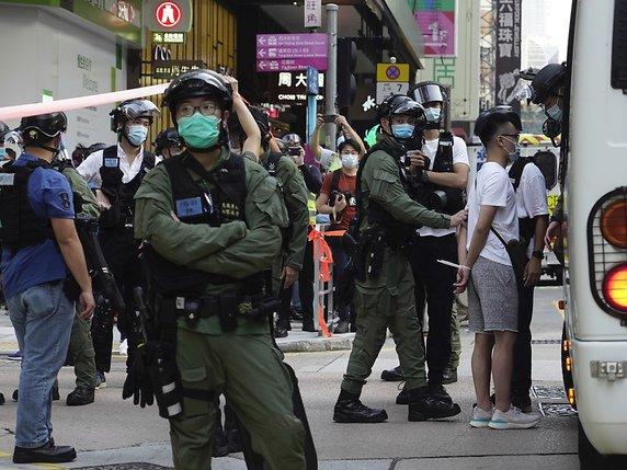Hong Kong: un animateur radio pro-démocratie arrêté pour sédition