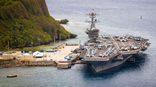 Mer de Chine du Sud: deux porte-avions américains mènent les premiers exercices depuis juillet 2020