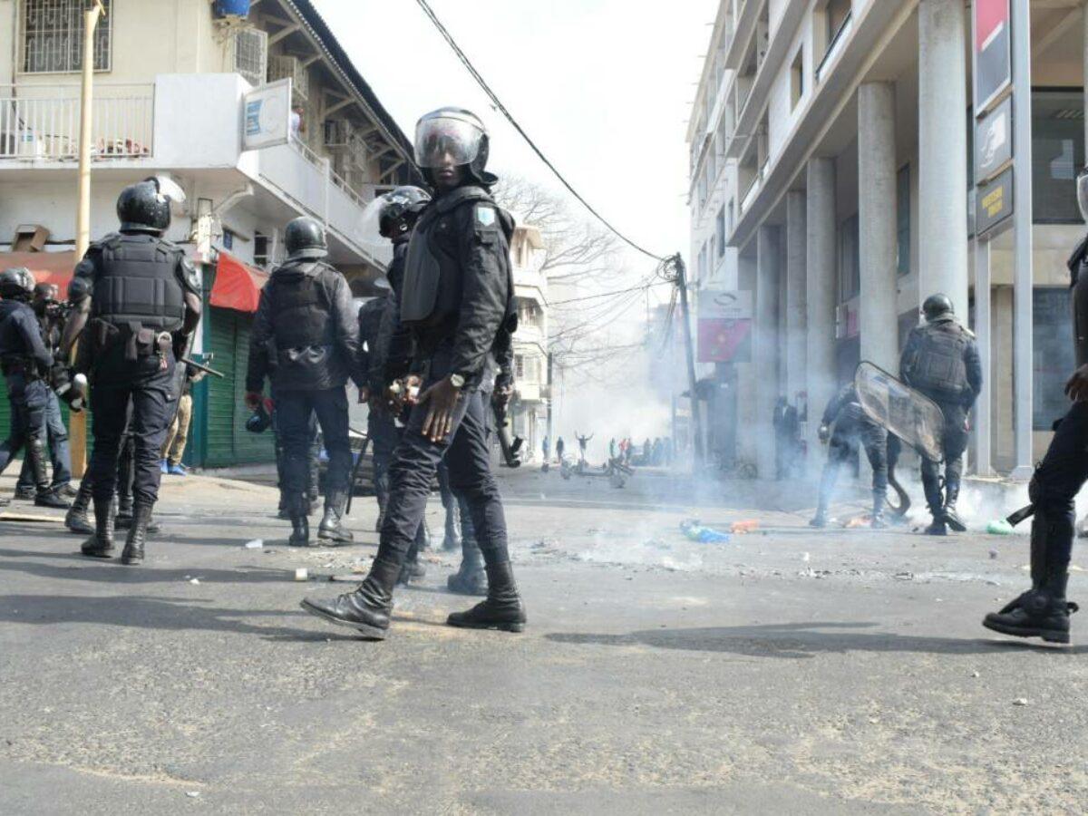 """Pastef dénonce la """"maltraitance et torture perpétrées"""" sur les jeunes arrêtés"""