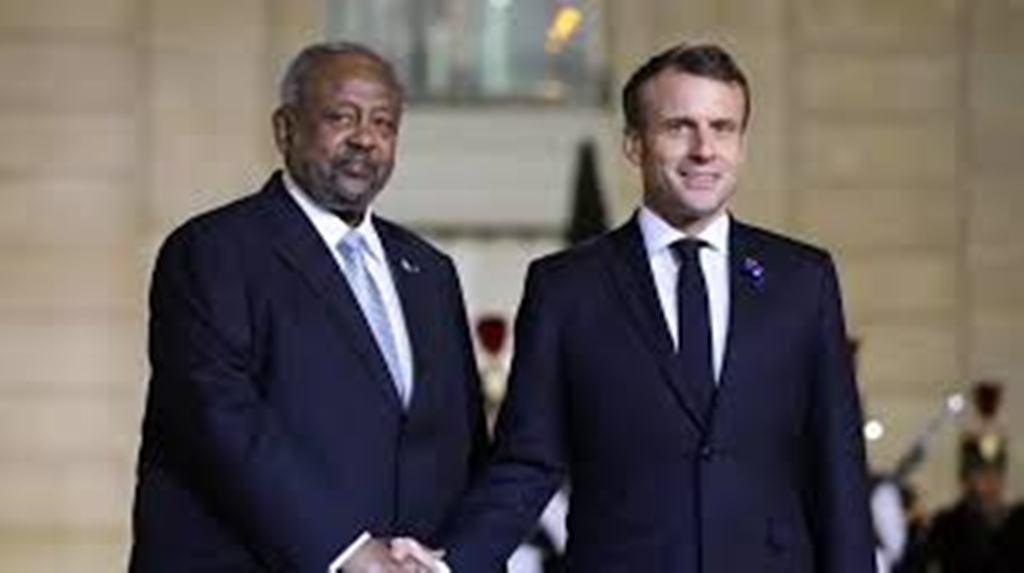 Le président djiboutien Ismaël Omar Guelleh rencontre Emmanuel Macron à Paris