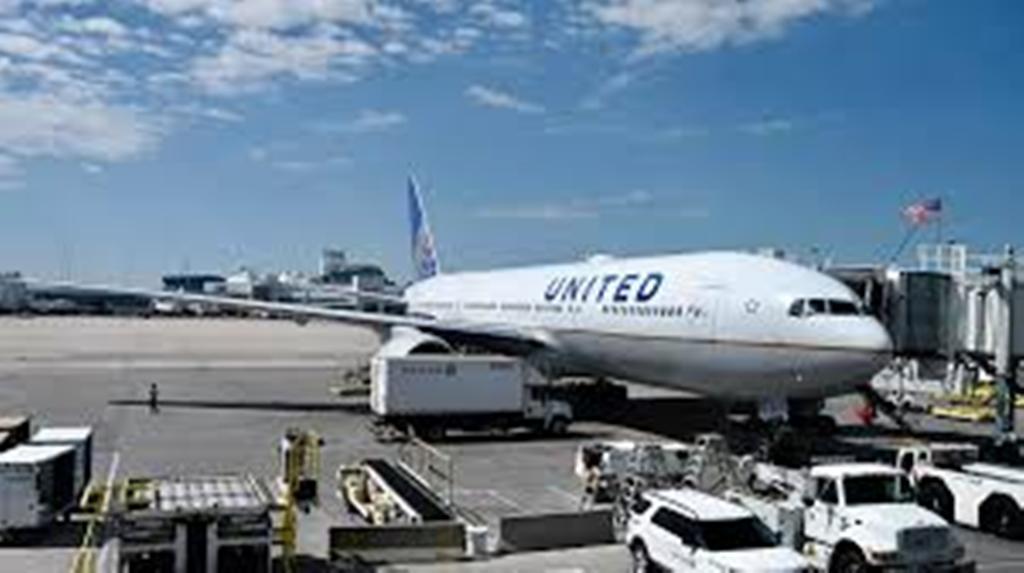 Après l'incident de Denver, Boeing 777 suspend 128 avions