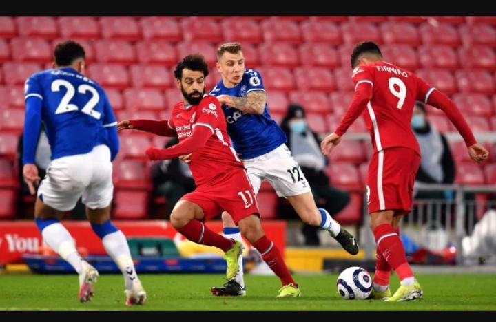 Gary Neville compare les joueurs de Liverpool à des zombies
