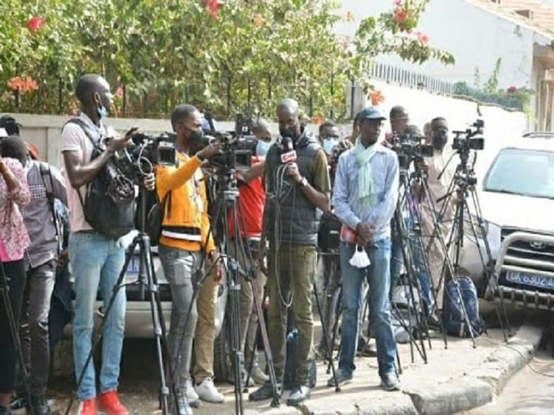 """Accès à l'hémicycle interdit aux journalistes : Reporters sans frontière dénonce une """"entrave à la liberté d'informer"""""""