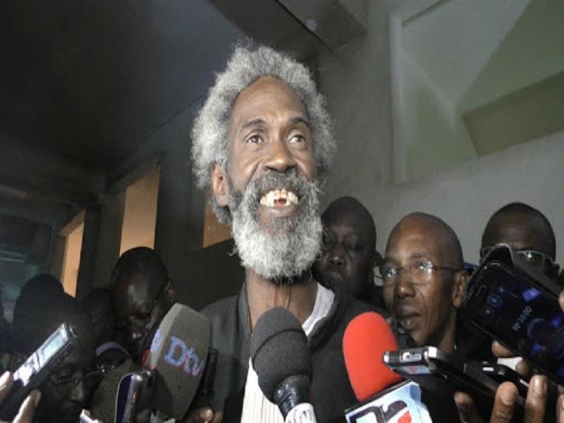 """Affaire Ousmane Sonko : ses avocats lui ont """"aussi"""" conseillé de déférer à la convocation du juge ce mercredi"""