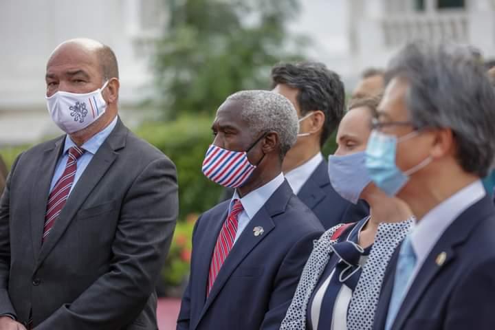 Sénégal : réception de 324.000 doses de vaccins de l'initiative Covax, les USA ont contribué à hauteur de 4 milliards de dollars