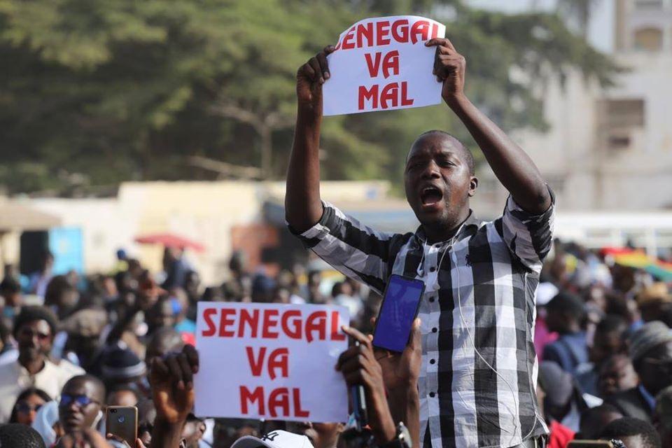 Affaire Ousmane Sonko: La mairie de Dakar Plateau saccagée, la foule difficile à maîtriser