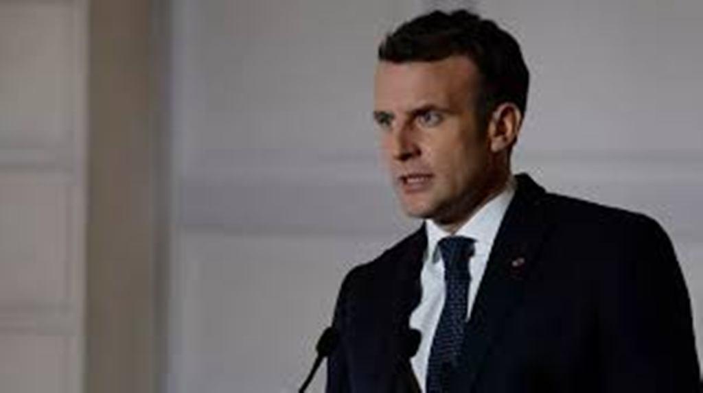 Emmanuel Macron rend hommage aux victimes du terrorisme en France