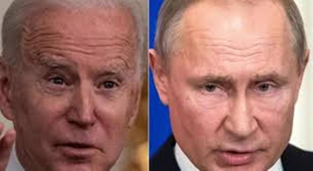 """Biden promet que Poutine paiera """"le prix"""" de ses actes, Moscou rappelle son ambassadeur"""