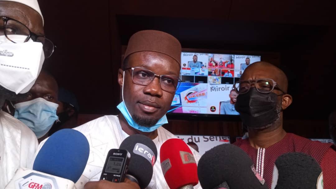 Saccage des locaux du groupe GFM : Ousmane Sonko, en visite sur les lieux, condamne ces pratiques