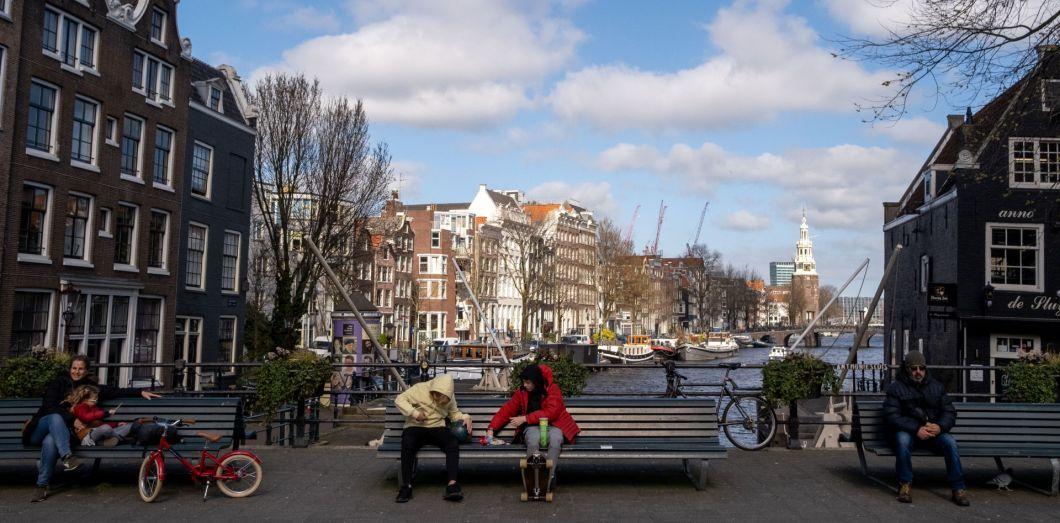 Les Pays-Bas prolongent jusqu'au 20 avril les restrictions anti-Covid
