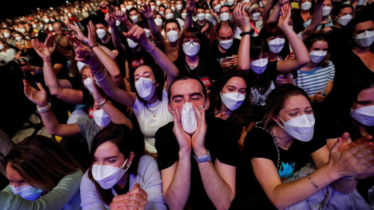 Covid-19 : 5 000 personnes réunies pour un concert-test à Barcelone