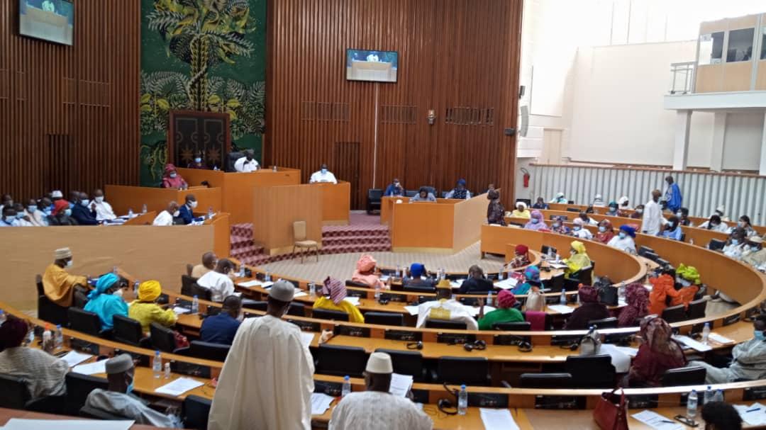 Vote de la loi sur le report des locales:« Nous n'avons pas confiance en vous monsieur le ministre », lance Cheikh Bara Dolly