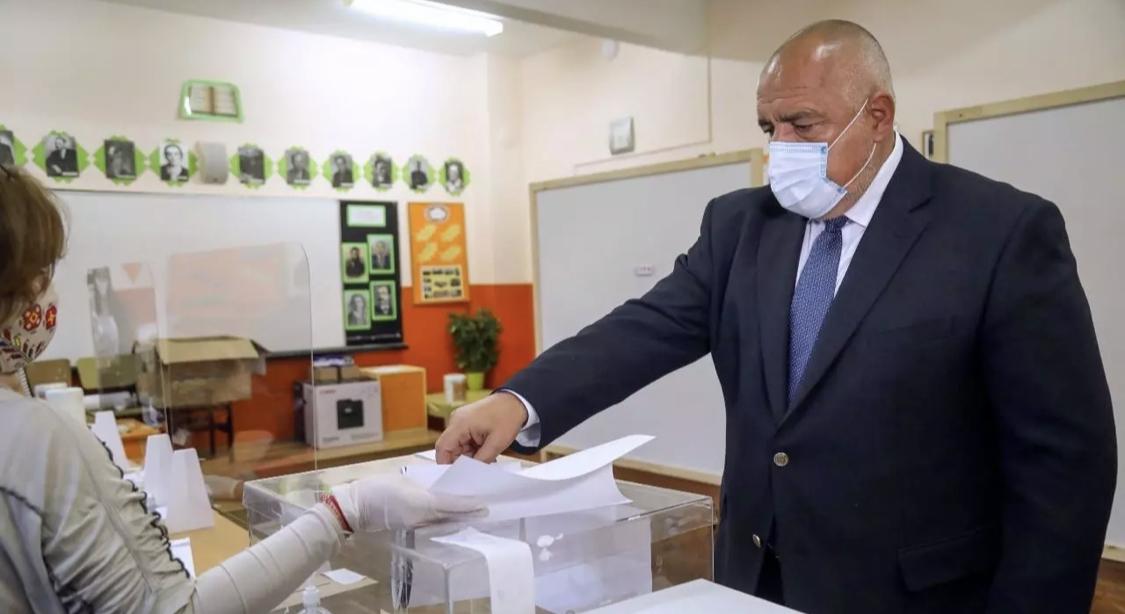 Bulgarie/législatives: le parti de Borissov en tête, les protestataires créent la surprise (sondages sortie des urnes)