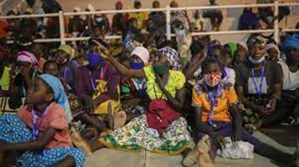 Mozambique : de nouvelles attaques et des réfugiés qui affluent de Palma par milliers